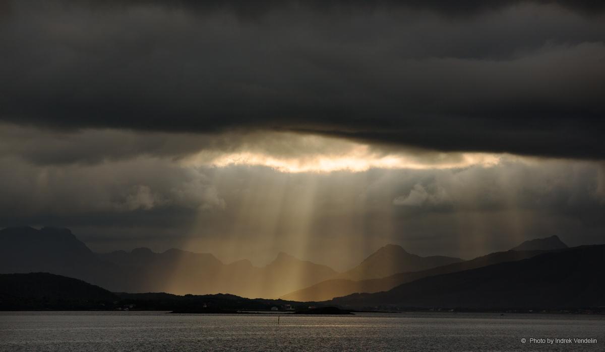 Taevast sadas päikesekiiri